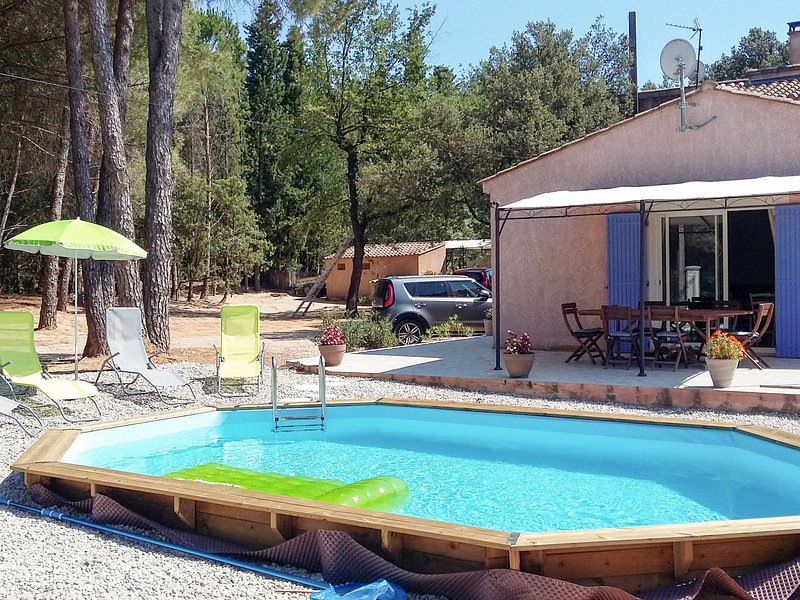 ***** (SRB100), vacation rental in Roquemaure