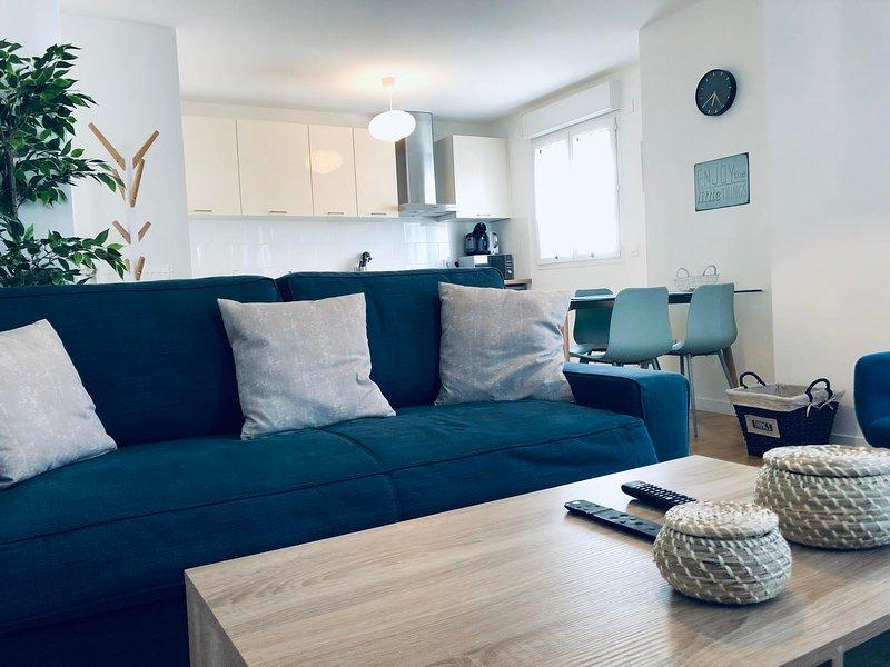 ★ Modern Apartment Near Disneyland Paris ★, location de vacances à Bailly-Romainvilliers