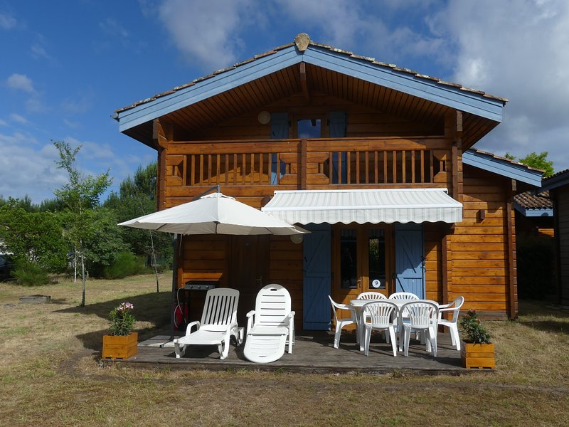 CHALET TOUT CONFORT, holiday rental in Bias