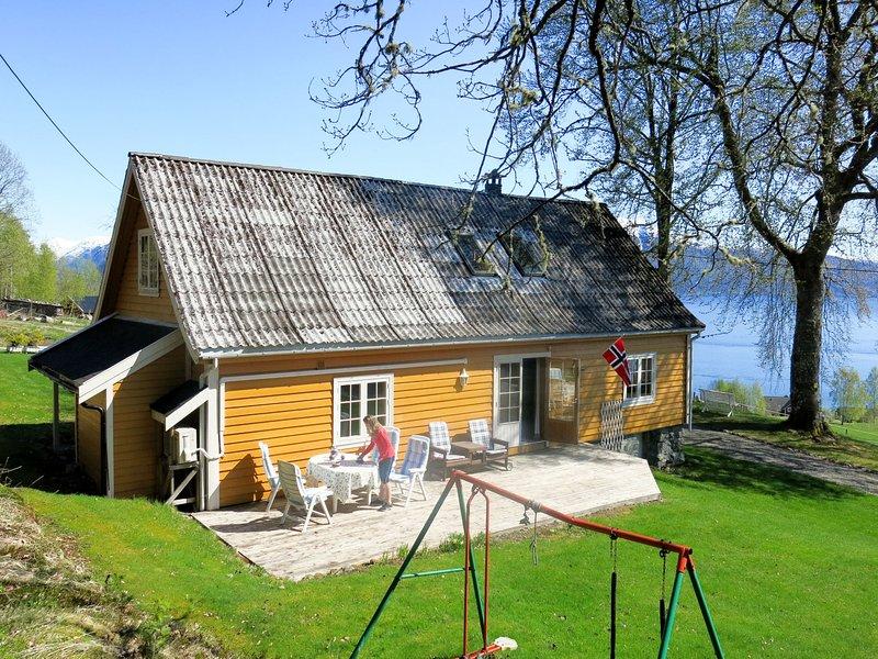 Gamlingastova (FJS014), holiday rental in Fjaerland