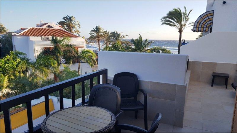 Parque Santiago 3 - 5 Star frontline 1 bed apartment sea views big terrace – semesterbostad i Arona