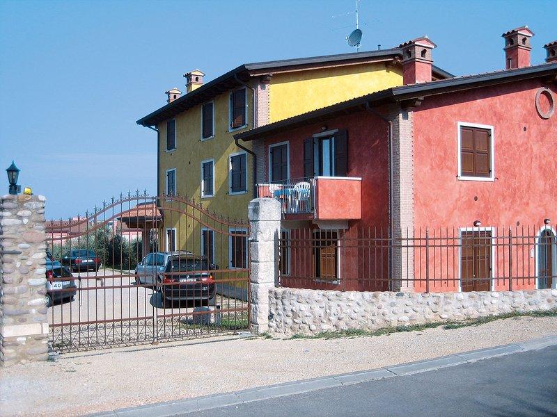 Casa Rossa (LAZ178), holiday rental in Piovezzano