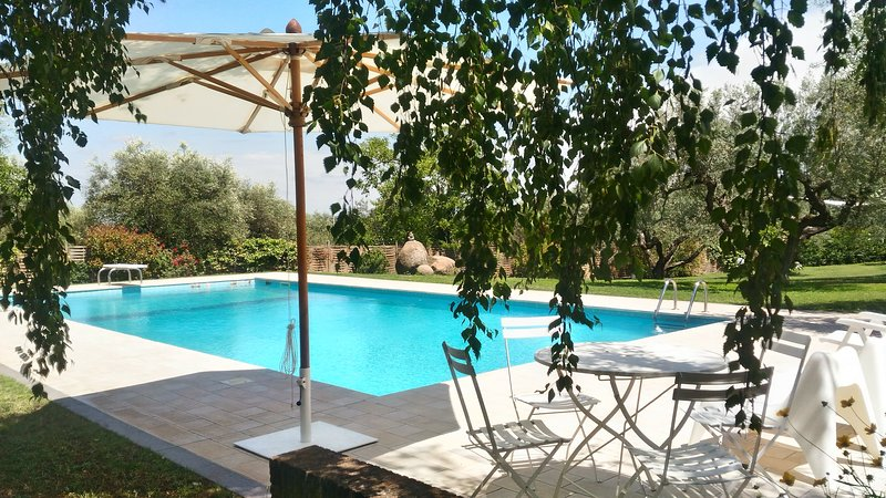 BEAUTIFUL VILLA WITH POOL, vakantiewoning in Cura di Vetralla