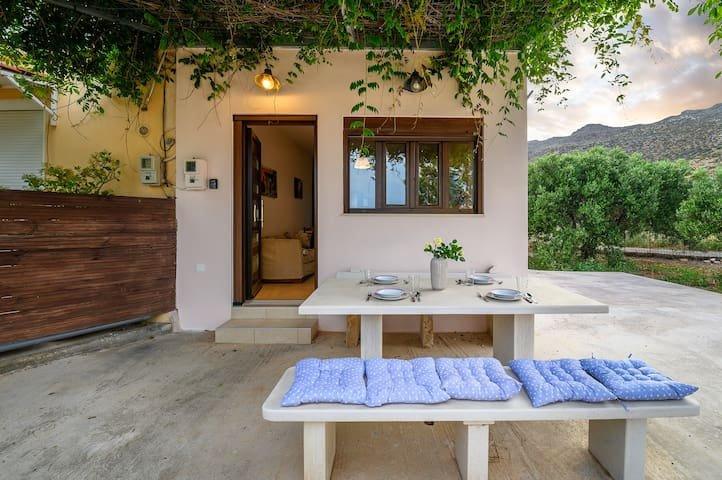 Casa di Cencia apartment - Privacy Relaxation View, alquiler vacacional en Xerokampos