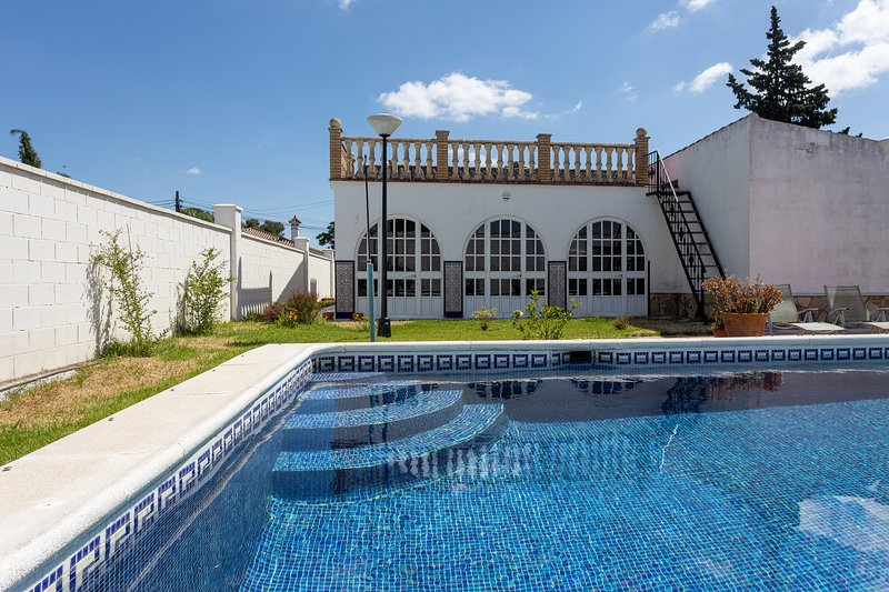 Andalucian Villa by the lake - Arcos de la Frontera, holiday rental in Arcos de la Frontera