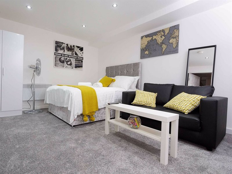 Affordable stay without any compromise in quality, holiday rental in Leeds