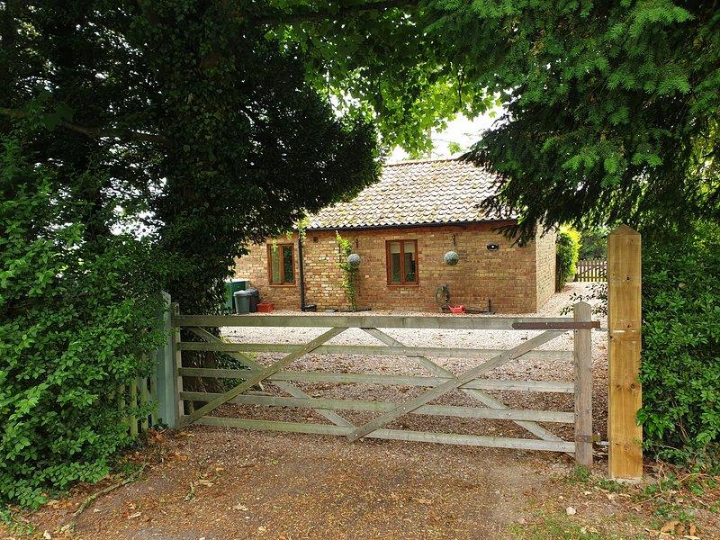 Sunflower Holiday Cottage, alquiler de vacaciones en Claythorpe