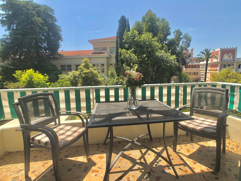 Residence des Baumettes: Delightful classic 2 bedroom apartment in Nice – semesterbostad i Nice