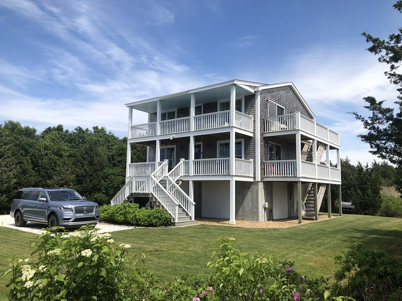 NEW Modern & Charming Waterfront- The Harper House, vacation rental in Oak Bluffs