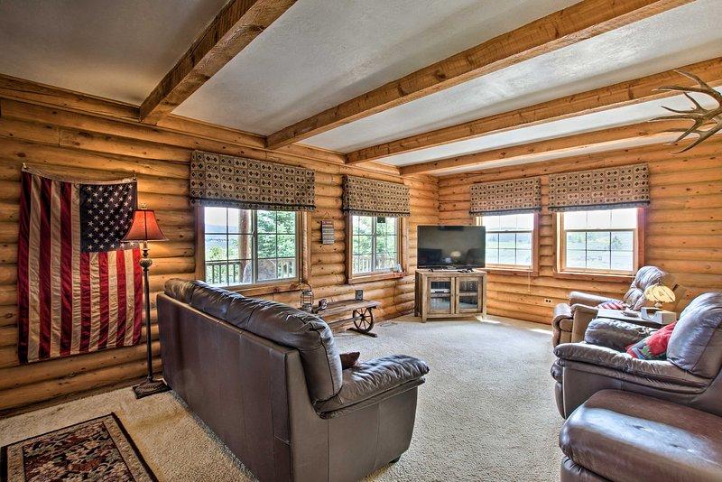 NEW! Garden City Escape w/View < 2 Mi to Bear Lake, aluguéis de temporada em Laketown
