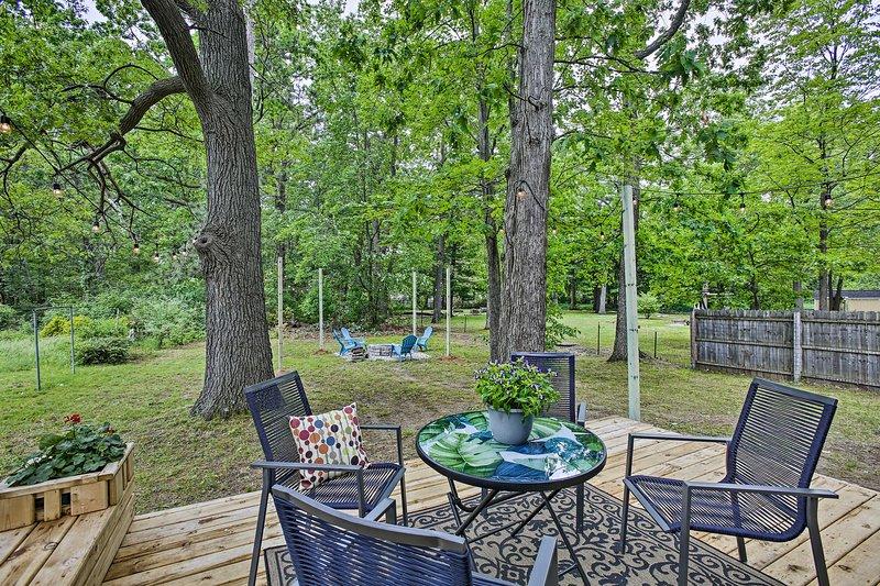 W Deck 2 Miles To Lake Michigan, Outdoor Furniture Traverse City Michigan