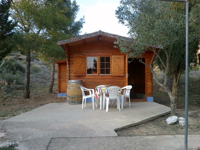 The Wooden Cabin, holiday rental in Fabara