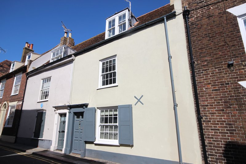 Skippers - Exceptional character cottage on historic Middle Street, Deal, location de vacances à Deal