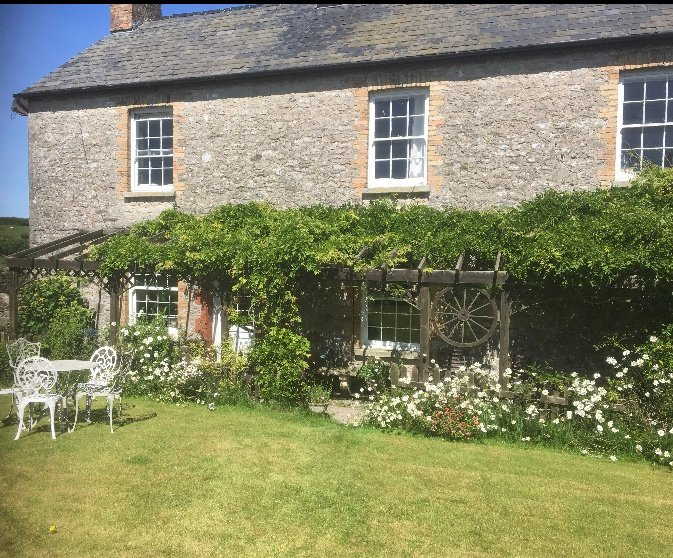 Pool Farm Holiday Cottage, holiday rental in Monknash