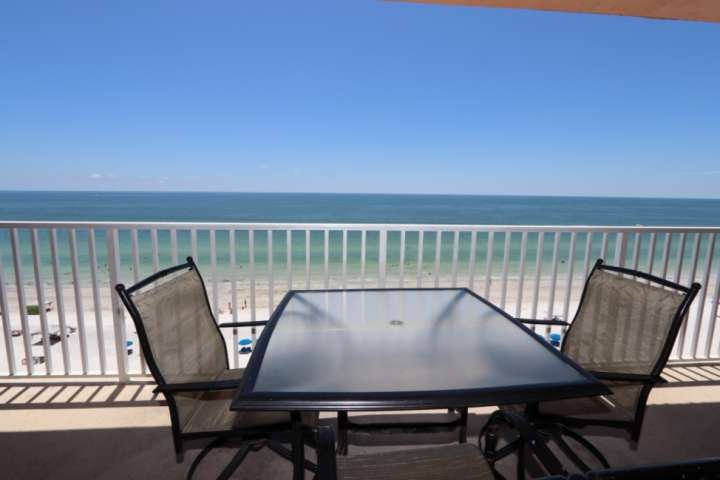 Newly Renovated Beachfront Penthouse, Spectacular Views, Pool, Hot Tub- Sandcast, vacation rental in Indian Shores