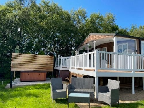 Beatrice Retreat - wonderful accommodation for 6 with luxury hot tub, Ferienwohnung in Newton on the Moor