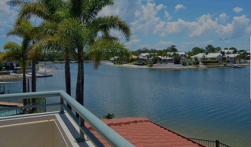 Bayz Maroochy Waters . Waterfront. Kayaks. Pet Friendly, holiday rental in Diddillibah