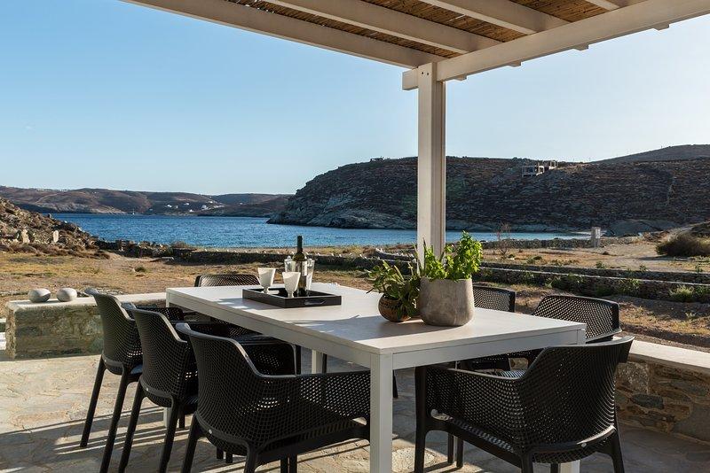 Eneos Beach Villas/Premium Villa, holiday rental in Loutra