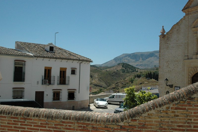 Traditional town house the hub of Historic Antequera 3 minutes from the Castle, Ferienwohnung in Antequera