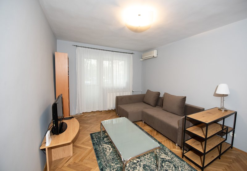 BAZILESCU APARTMENT, holiday rental in Chiajna