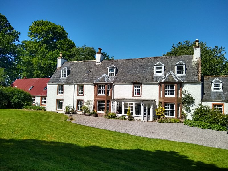 Fodderty Lodge: East Wing, holiday rental in Ross and Cromarty