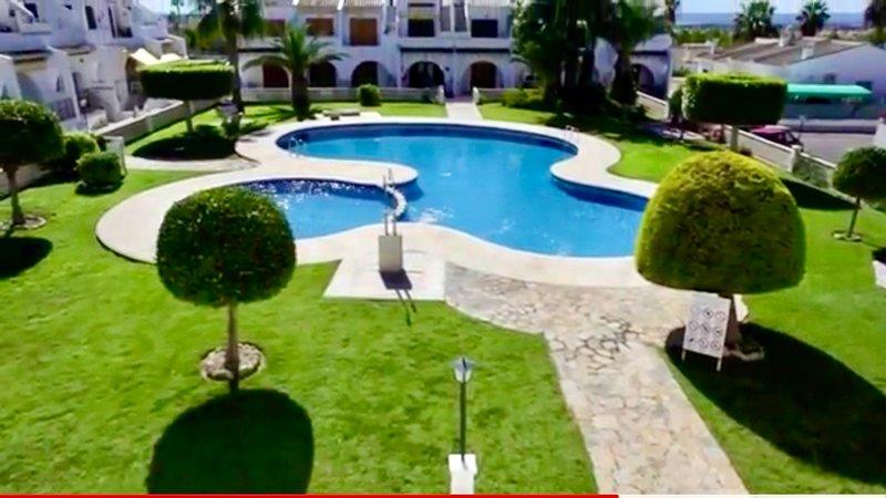 Lovely 2 Bedroom Apartment, 10 minutes drive from blue flag beaches!!, aluguéis de temporada em Ciudad Quesada