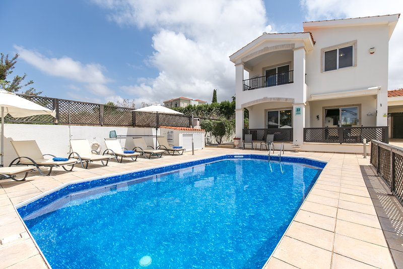 Villa Hannah Coral Bay Paphos, holiday rental in Paphos District