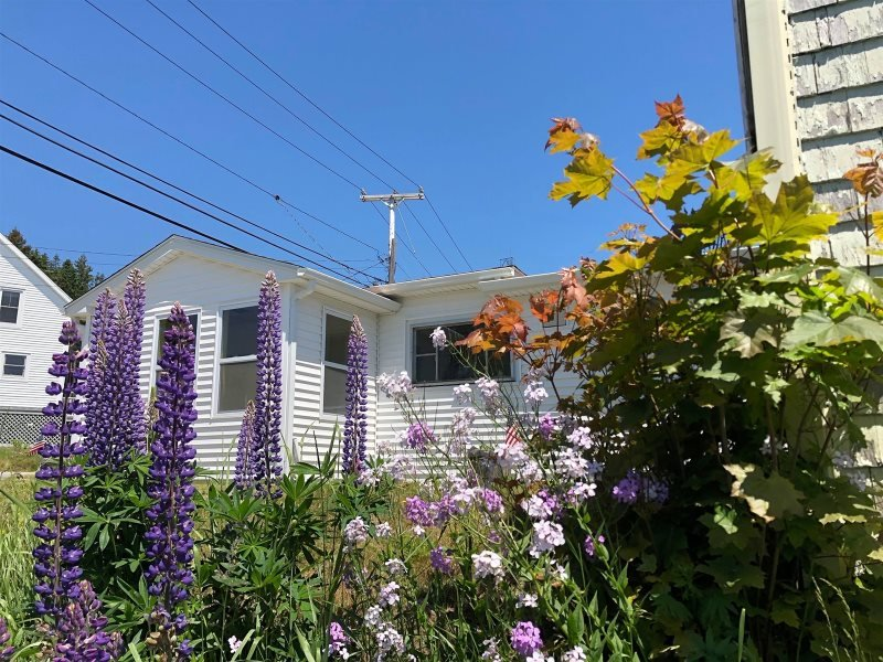 HILLTOP BUNGALOW - Stonington, holiday rental in Stonington