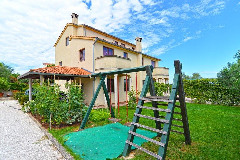 Apartment 1726, holiday rental in Stinjan