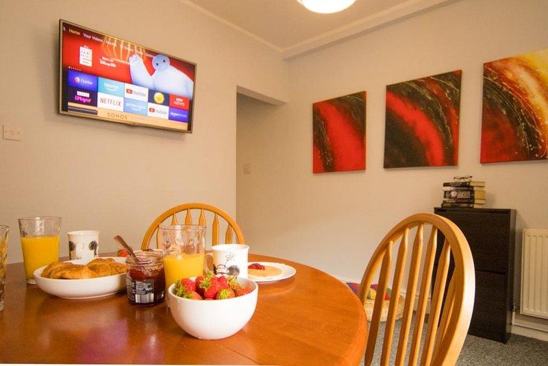 Radford House | Free parking | Perfect for groups, aluguéis de temporada em Eastwood
