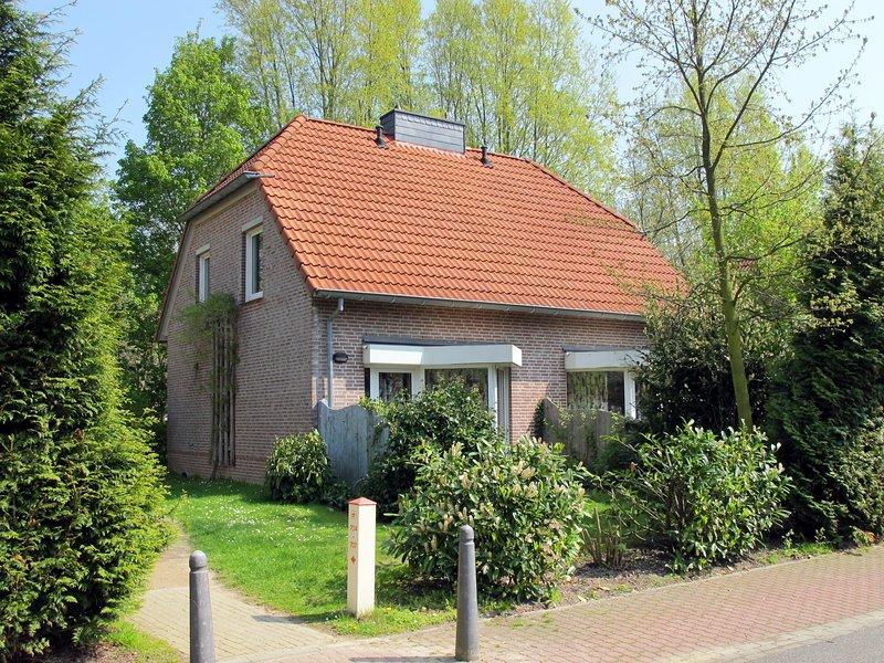 Stunning home in Tossens with 2 Bedrooms, holiday rental in Tossens