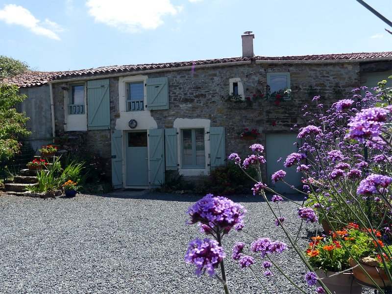 Gite Le Tournesol a Countryside Cottage in the Vendee