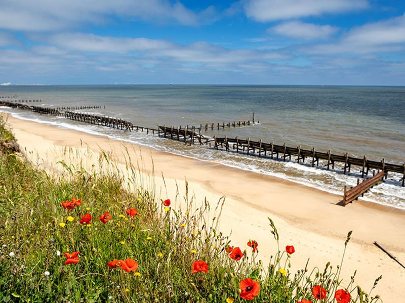 Home from Home caravan in Lowestoft, holiday rental in Corton