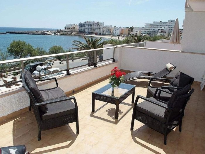 Apartment with terrace by the beach with sea viewh - Antic 302, location de vacances à S'illot