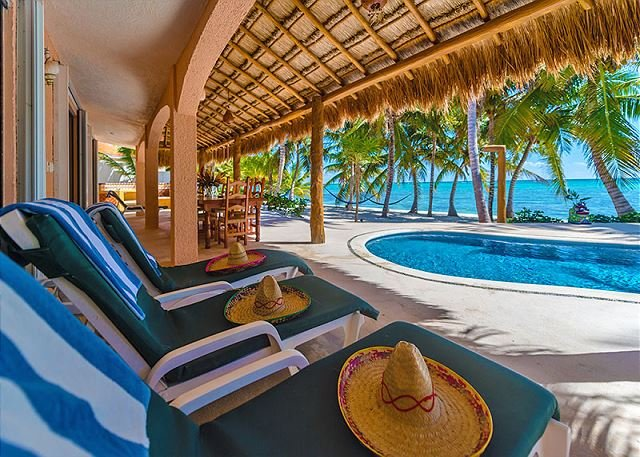 Casa Rosa Crystal Sand Exquisite Beach & Pool, vacation rental in Soliman Bay