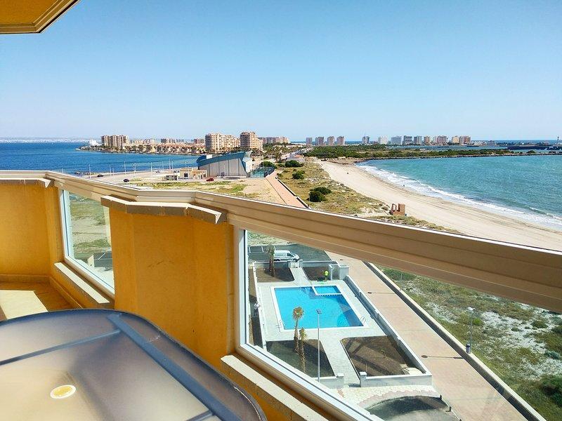 1 Bedroom Beachside Apartment La Manga, Murcia, location de vacances à La Manga del Mar Menor