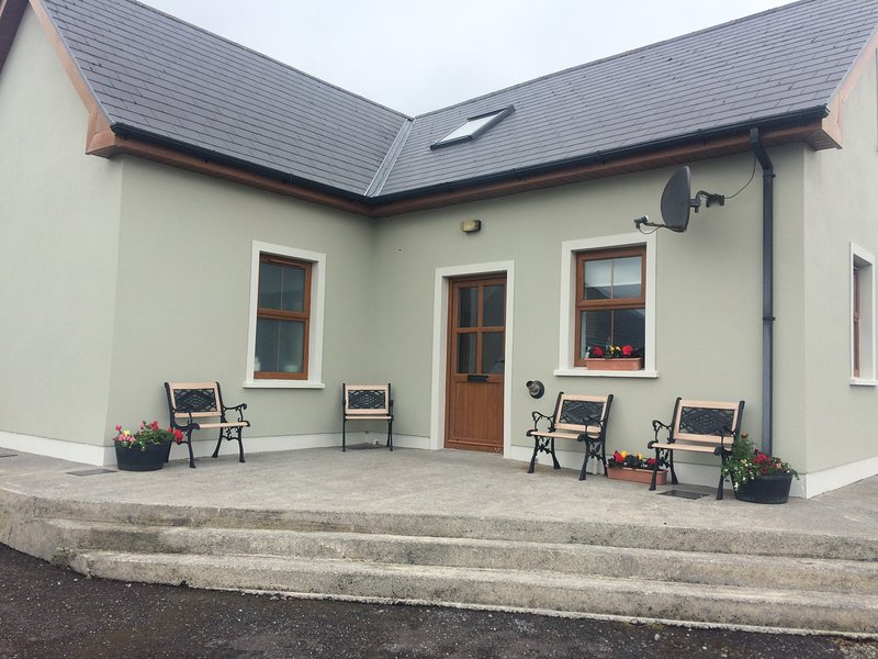 Murphy's Irish Farmhouse, holiday rental in Carrigaholt