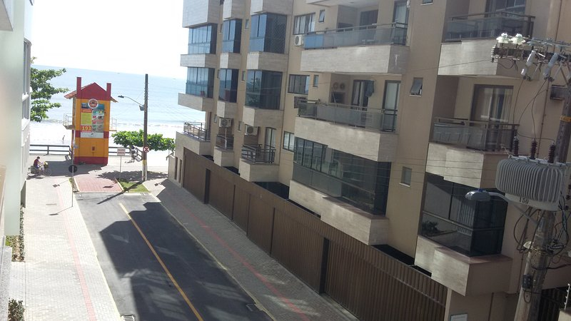 Apartamento Estratégico e Confortável em Meia Praia - Itapema, vacation rental in Porto Belo
