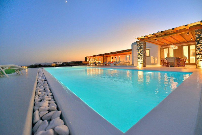 Mykonos Villa Sleeps 19 with Pool and Air Con - 5824847, holiday rental in Agios Sostis