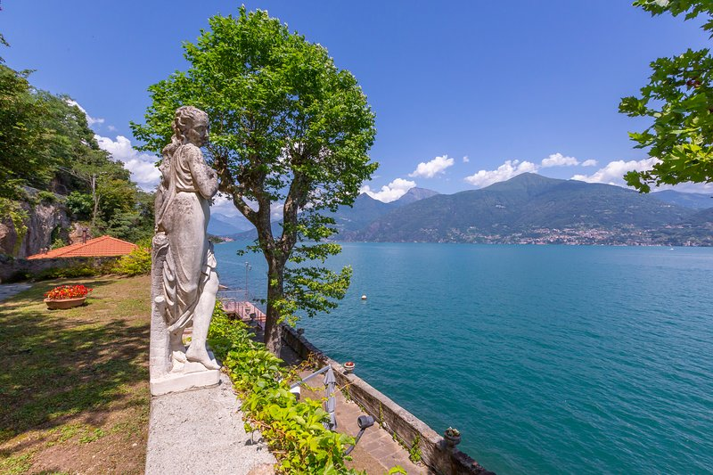 Molino Nuovo Villa Sleeps 6 with WiFi - 5841377, vacation rental in Plesio