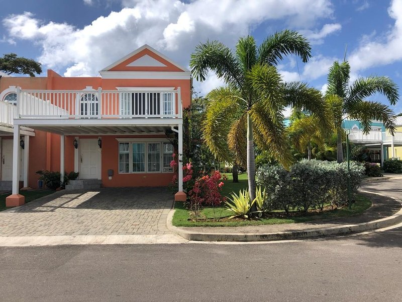 Negril, Jamaica. Home Reef. Little Bay Country Club, holiday rental in Green Island