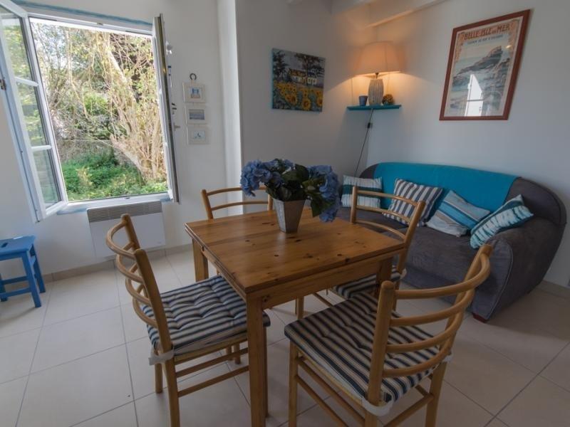 Jardins et oiseaux de la terrasse et la plage pas loin, vacation rental in Locmaria