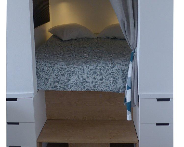 'Les pieds dans l'eau'  Appartement refait à neuf dans immeuble face à la mer., vacation rental in Saint-Jean-de-Monts