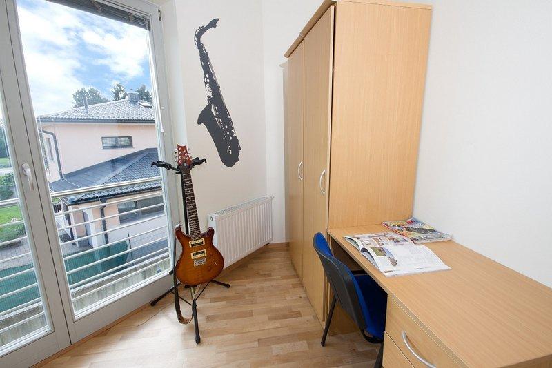 Rooms Ljubljana - Single room, holiday rental in Polhov Gradec
