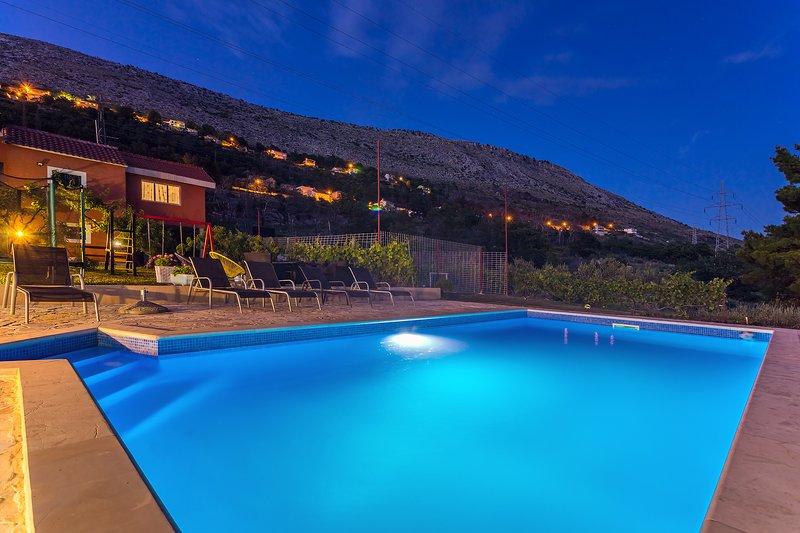 Villa Josipa with private pool, near Split, vacation rental in Split