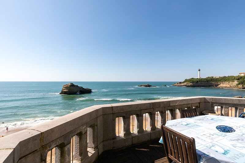 Ocean View Apt- 4 ppl- Plage du Miramar****, vacation rental in Biarritz