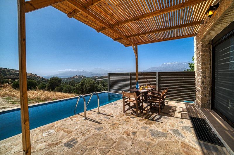 OLIVE luxury villas - villa Omikron, vacation rental in Vori