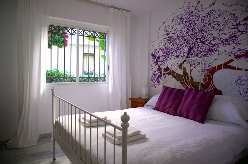 Ground floor 2 bed apartment close to the beach!, vacation rental in Cancelada