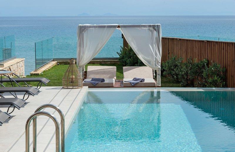 Villa Sabbia - Mare and Sabbia D oro  Villas, location de vacances à Meso Gerakari