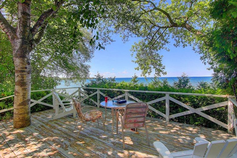 Eagle lakefront cottage, vacation rental in Georgina